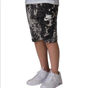 Nike | Boy's 8-20 Tech Fleece Shorts